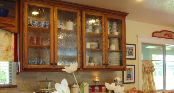 Plain and textured glass for kitchen cabinets