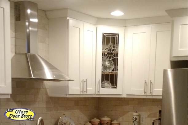 Kitchen cabinet replacement doors glass inserts for Beveled glass kitchen cabinets